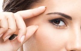 implants de sourcils femme